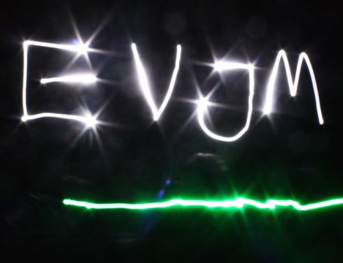 Jungstrupp malt mit Licht